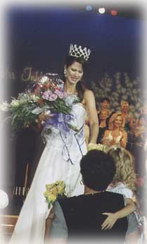 Mrs USA receives flowers from family